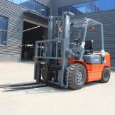 Дизельный погрузчик  HELI CPQD30, 3 тонны
